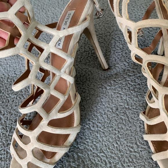 COPY - Steve Madden nude heels
